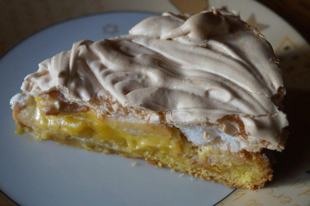 Marzipan-Apfel-Baiser-Kuchen